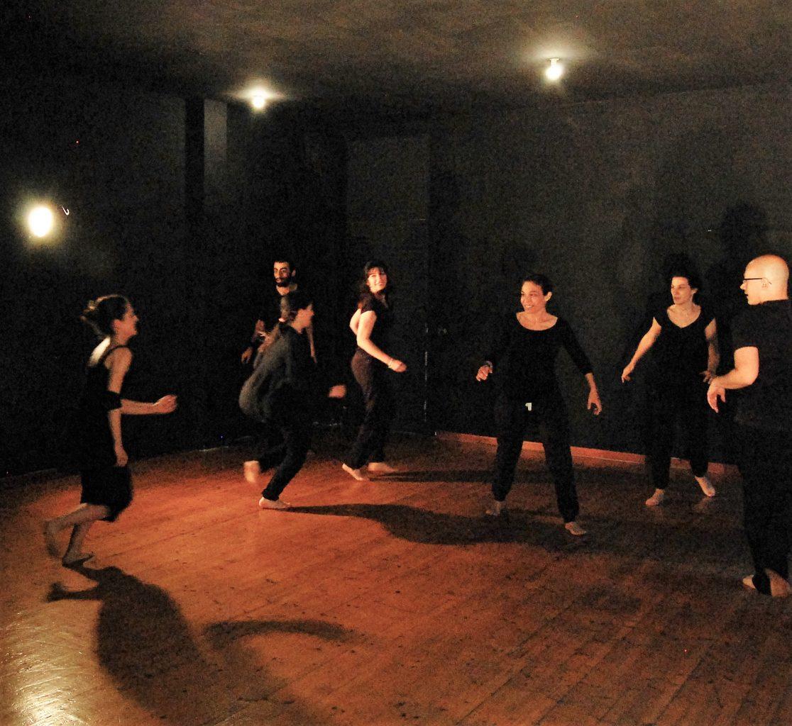 Gruppo sul palco - GenerazioneTeatro