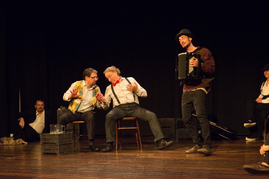 Recitazione sul palco - GenerAzione Teatro